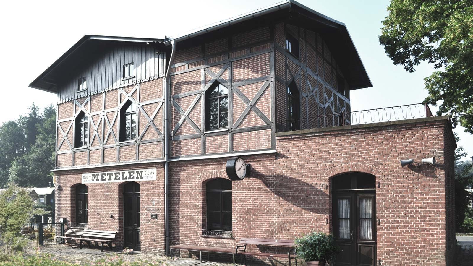 Fachwerksanierung Bahnhof in Metelen Land, Holtfrerich Architekten